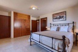 Спальня. Кипр, Айос Теодорос : Потрясающая восхитительная вилла с 7-мя спальнями, с бассейном и двориком для 16-ти гостей