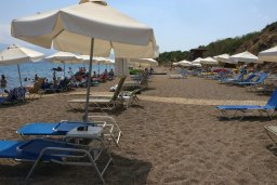 Пляж Yiannakis Beach в Лачи