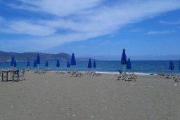 Пляж Poli Beach в Лачи