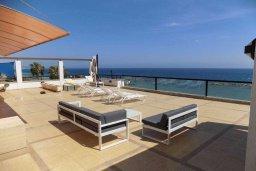 Терраса. Кипр, Гермасойя Лимассол : Роскошный пентхаус с большой террасой и шикарным видом на море, общий бассейн, 3 спальни, 3 ванные комнаты