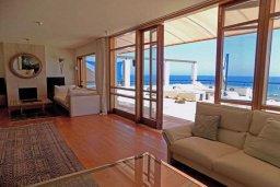 Гостиная. Кипр, Гермасойя Лимассол : Роскошный пентхаус с большой террасой и шикарным видом на море, общий бассейн, 3 спальни, 3 ванные комнаты