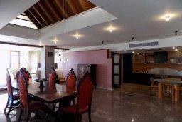 Кухня. Кипр, Гермасойя Лимассол : Роскошный пентхаус с большой террасой и шикарным видом на море, общий бассейн, 3 спальни, 3 ванные комнаты