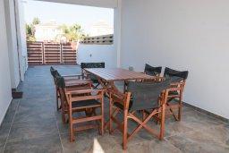 Территория. Кипр, Сиренс Бич - Айя Текла : Прекрасная вилла с бассейном и двориком с барбекю, 4 спальни, 3 ванные комнаты, парковка, Wi-Fi