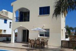 Фасад дома. Кипр, Пернера Тринити : Прекрасная вилла с бассейном и двориком с барбекю, 3 спальни, 3 ванные комнаты, парковка, Wi-Fi