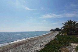 Ближайший пляж. Кипр, Менеу : Прекрасная пляжная вилла с двориком и видом на море, 2 спальни, барбекю, Wi-Fi