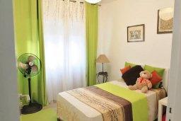 Спальня 2. Кипр, Ларнака город : Современный апартамент в 10 минутах ходьбы от центральной набережной, с гостиной, тремя спальнями и двумя ванными комнатами