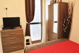 Спальня 3. Кипр, Ларнака город : Современный апартамент в 10 минутах ходьбы от центральной набережной, с гостиной, тремя спальнями и двумя ванными комнатами