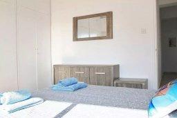 Спальня 2. Кипр, Ларнака город : Современный апартамент в 10 минутах ходьбы от центральной набережной, с гостиной,  тремя спальнями и балконом