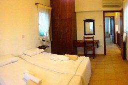 Спальня 2. Кипр, Ионион - Айя Текла : Прекрасная вилла с бассейном напротив пляжа, 3 спальни, 2 ванные комнаты, парковка, Wi-Fi
