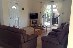 Гостиная. Кипр, Ионион - Айя Текла : Уютная вилла с бассейном и приватным двориком с обеденной зоной, 2 спальни, барбекю, парковка, Wi-Fi
