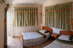 Спальня. Кипр, Ионион - Айя Текла : Уютная вилла с бассейном и приватным двориком с обеденной зоной, 2 спальни, барбекю, парковка, Wi-Fi