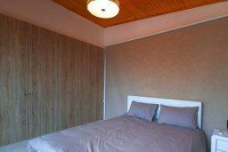 Спальня. Кипр, Айос Тихонас Лимассол : Прекрасный апартамент недалеко от пляжа, с гостиной и отдельной спальней