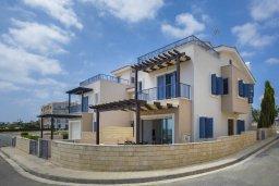 Фасад дома. Кипр, Пернера Тринити : Прекрасная вилла в 100 метрах от пляжа и с видом на море, 4 спальни, 3 ванные комнаты, барбекю, парковка, патио, Wi-Fi