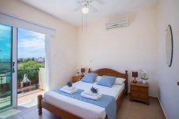 Спальня. Кипр, Ионион - Айя Текла : Прекрасная вилла с бассейном и двориком с барбекю, 2 спальни, 2 ванные комнаты, парковка, Wi-Fi