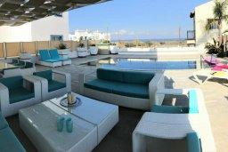 Патио. Кипр, Каппарис : Современная вилла с бассейном и двориком с барбекю, 3 спальни, 3 ванные комнаты, патио, парковка, Wi-Fi