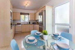 Кухня. Кипр, Каво Марис Протарас : Роскошная вилла с бассейном и приватным двориком с барбекю, 4 спальни, 4 ванные комнаты, парковка, Wi-Fi