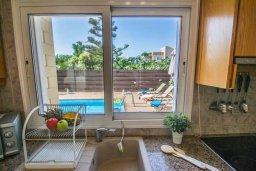 Кухня. Кипр, Пернера Тринити : Комфортабельная вилла с 2-мя спальнями, с бассейном и приватным двориком с патио и барбекю