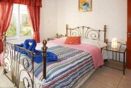 Спальня. Кипр, Центр Айя Напы : Потрясающий современный апартамент в центре Ай-Напы, с гостиной, двумя спальнями и балконом