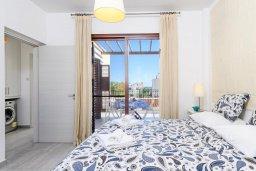 Спальня 2. Кипр, Ионион - Айя Текла : Современная вилла 3-мя спальнями, с зелёным двориком и барбекю, расположена в комплексе с бассейном и детской площадкой