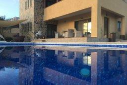 Фасад дома. Кипр, Писсури : Великолепная вилла с бассейном и видом на море, 3 спальни, 2 ванные комнаты, дворик с барбекю, парковка, Wi-Fi