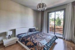 Спальня. Кипр, Пареклисия : Апартамент в комплексе с бассейном в 100 метрах от пляжа, с гостиной, двумя спальнями и большим балконом