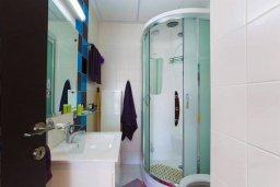 Ванная комната. Кипр, Гермасойя Лимассол : Уютная студия в комплексе с бассейном и теннисным кортом