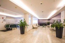Коридор. Кипр, Центр Лимассола : Современная студия в комплексе с бассейном и тренажерным залом, в 20 метрах от пляжа