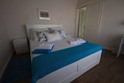 Спальня. Кипр, Центр Лимассола : Уютный дом с зеленым двориком, 4 спальни, 2 ванные комнаты, парковка, Wi-Fi