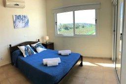 Спальня. Кипр, Пернера : Уютная вилла с бассейном и двориком с барбекю, 3 спальни, 2 ванные комнаты, парковка, Wi-Fi