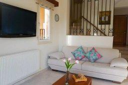 Гостиная. Кипр, Корал Бэй : Прекрасная вилла с джакузи и шикарным видом на море, 4 спальни, 2 ванные комнаты, парковка, Wi-Fi