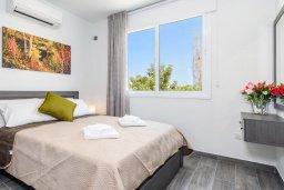 Спальня. Кипр, Каво Марис Протарас : Современная вилла с бассейном и двориком с барбекю, 3 спальни, 4 ванные комнаты, терраса на крыше, парковка, Wi-Fi