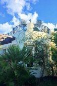 Фасад дома. Кипр, Лачи : Прекрасная вилла с бассейном и зеленым двориком, 3 спальни, 3 ванные комнаты, парковка, Wi-Fi