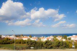 Вид на море. Кипр, Каво Марис Протарас : Апартамент с гостиной, отдельной спальней и большим балконом с видом на море