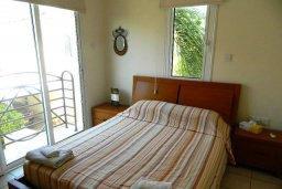 Спальня. Кипр, Каппарис : Прекрасная вилла с бассейном и двориком с барбекю, 3 спальни, 3 ванные комнаты, парковка, Wi-Fi