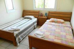 Спальня 2. Кипр, Каппарис : Прекрасная вилла с бассейном и двориком с барбекю, 3 спальни, 3 ванные комнаты, парковка, Wi-Fi