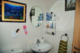 Ванная комната. Кипр, Гермасойя Лимассол : Студия в комплексе с бассейном в 100 метрах от пляжа