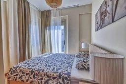 Спальня. Кипр, Гермасойя Лимассол : Прекрасная вилла с бассейном и зеленым двориком, 3 спальни, парковка, Wi-Fi