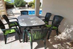 Терраса. Кипр, Пейя : Вилла с бассейном и двориком с барбекю, 3 спальни, 2 ванные комнаты, парковка, Wi-Fi