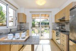 Кухня. Кипр, Нисси Бич : Великолепная вилла с зелёным двориком и барбекю, с 3 спальнями, расположена в знаменитом районе Nissi в Айя-Напе
