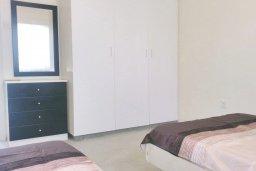 Спальня 2. Кипр, Айос Тихонас Лимассол : Апартамент в комплексе с бассейном, с гостиной, двумя спальнями и балконом с видом на море