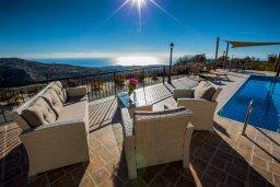 Патио. Кипр, Пейя : Роскошная вилла с бассейном и джакузи, 6 спален, 5 ванных комнат, барбекю, патио, парковка, Wi-Fi