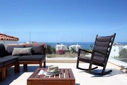 Терраса. Кипр, Хлорака : Прекрасная вилла с бассейном и зеленым двориком с барбекю, терраса на крыше с видом на море, 3 спальни, 2 ванные комнаты, парковка, Wi-Fi