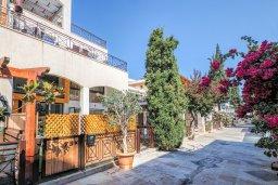 Территория. Кипр, Гермасойя Лимассол : Таунхаус в 30 метрах от пляжа в комплексе с бассейном, 2 спальни, 2 ванные комнаты, парковка, Wi-Fi