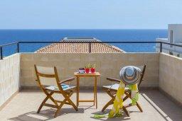 Балкон. Кипр, Коннос Бэй : Прекрасная вилла с бассейном и зеленым двориком с барбекю, 3 спальни, парковка, Wi-Fi
