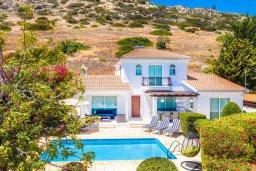 Фасад дома. Кипр, Пейя : Прекрасная вилла с бассейном и джакузи, 4 спальни, 3 ванные комнаты, барбекю, парковка, Wi-Fi