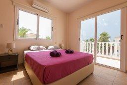 Спальня. Кипр, Ионион - Айя Текла : Прекрасная вилла с бассейном в 100 метрах от моря, 3 спальни, барбекю, парковка, Wi-Fi