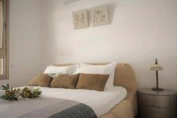 Спальня 2. Кипр, Пафос город : Двухуровневый таунхаус в комплексе с бассейном, с гостиной, двумя спальнями, двумя ванными комнатами, c террасой и балконом с видом на море