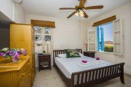 Спальня. Кипр, Санрайз Протарас : Уютная вилла с бассейном и двориком с барбекю, 3 спальни, 3 ванные комнаты, парковка, Wi-Fi