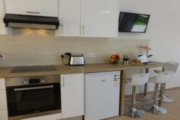 Студия (гостиная+кухня). Кипр, Нисси Бич : Уютная студия с телевизором, кондиционером и балконом