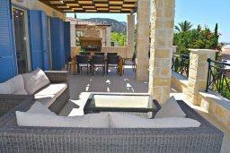 Патио. Кипр, Лачи : Роскошная вилла с бассейном и зеленым двориком с барбекю, 4 спальни, 4 ванные комнаты, парковка, Wi-Fi